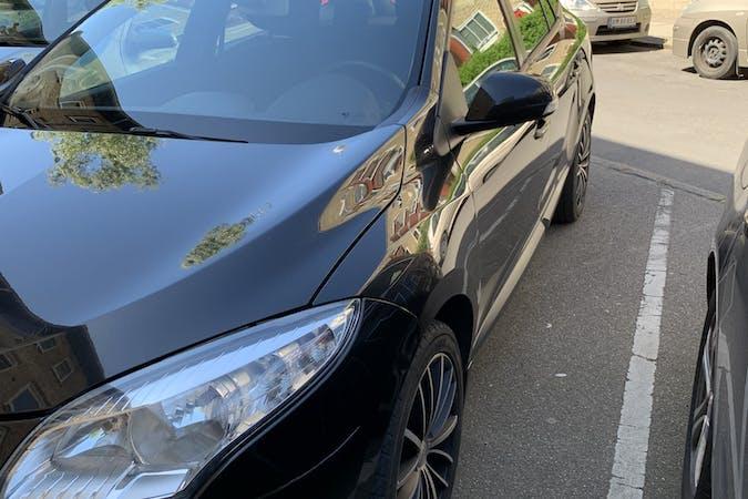 Billig billeje af Renault Megane med GPS nær 2400 København.