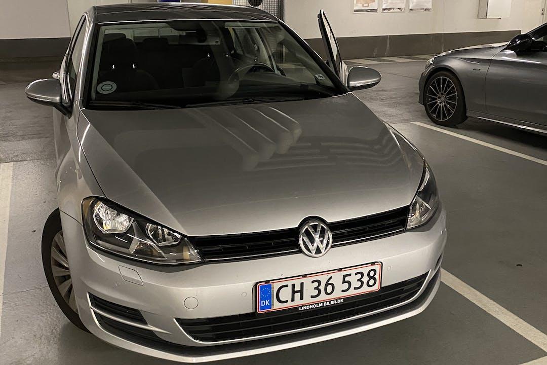 Billig billeje af Volkswagen Golf nær 2450 København.