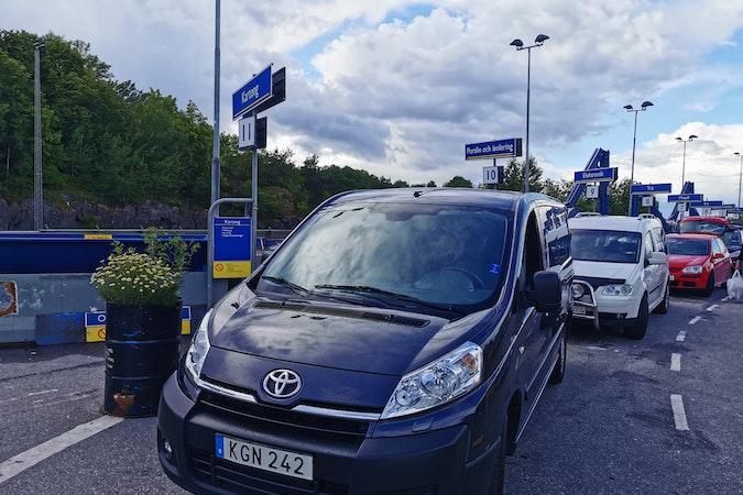 Billig biluthyrning av Toyota ProAce Verso i närheten av 117 33 Södermalm.