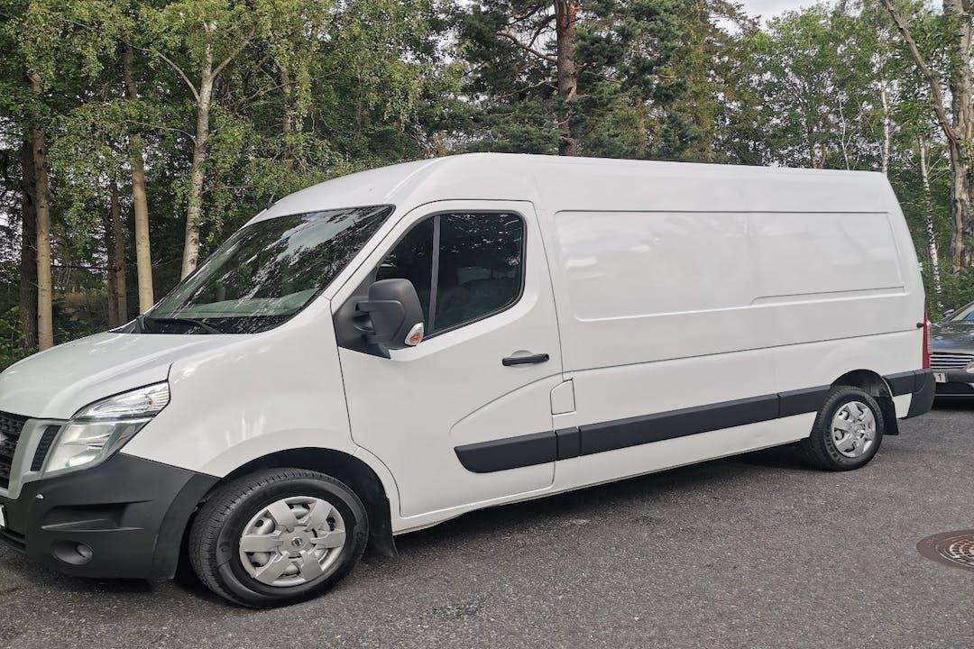 Billig biluthyrning av Nissan E-NV200 i närheten av 14569 Botkyrka kommun.