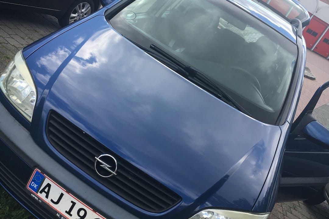Billig billeje af Opel Zafira nær 4800 Nykøbing Falster.
