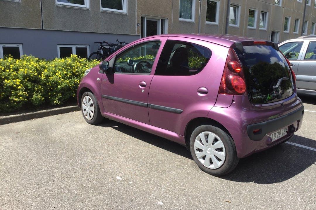 Billig billeje af Peugeot 107 med GPS nær 4100 Ringsted.