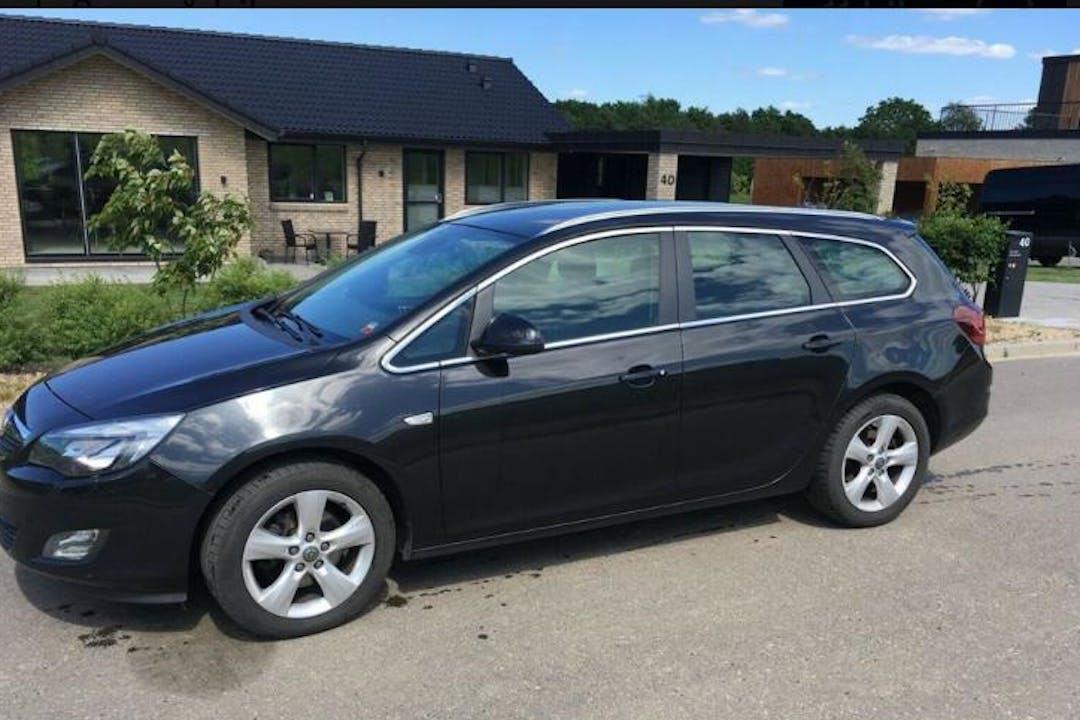 Billig billeje af Opel Astra nær 2800 Kongens Lyngby.