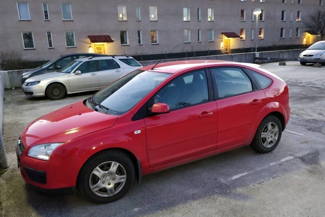 Billig biluthyrning av Ford Focus i närheten av 127 42 Skärholmen.