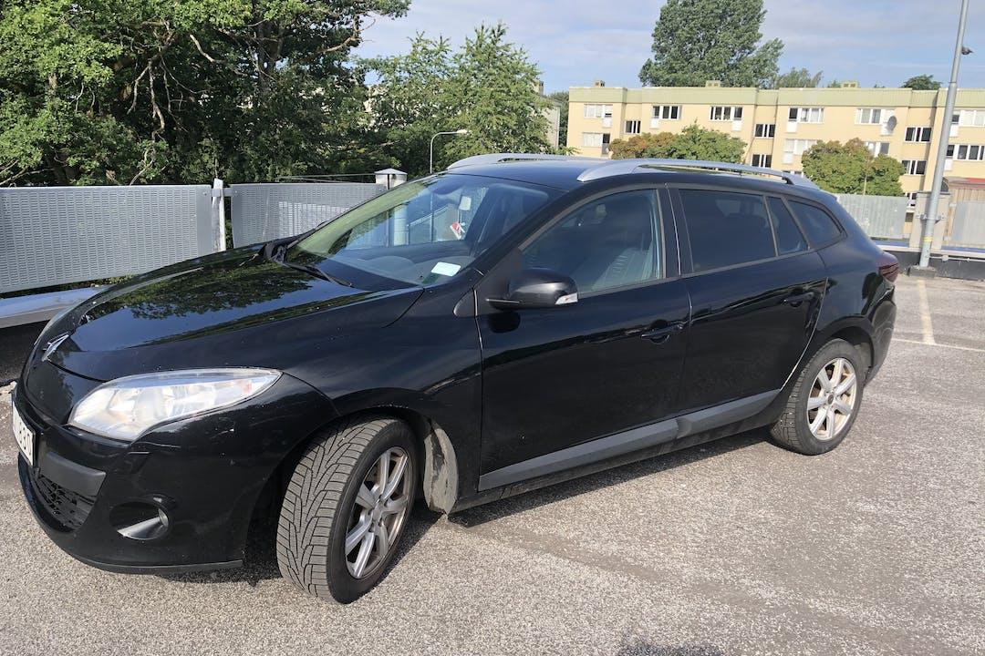 Billig biluthyrning av Renault Megane med Aircondition i närheten av 507 40 Centrum.
