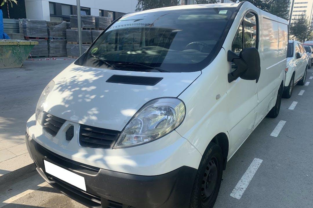 Alquiler barato de Renault Trafic cerca de 08912 Badalona.