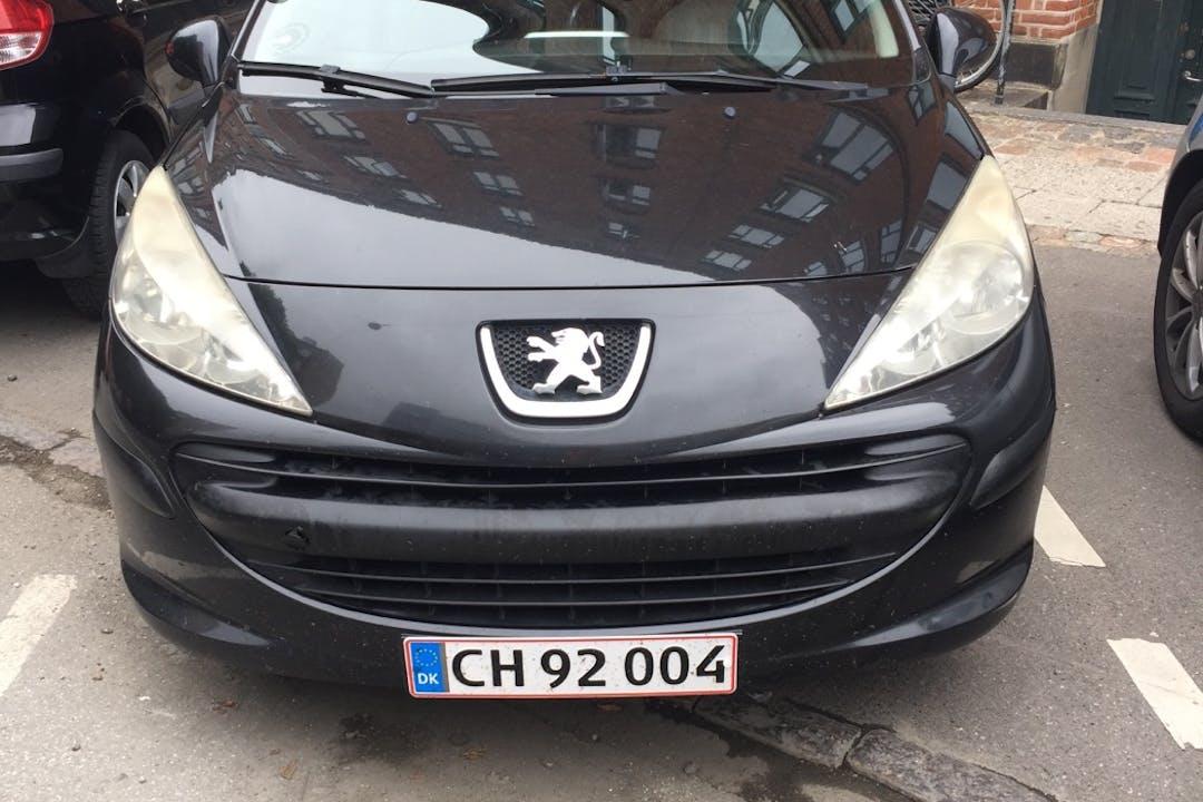 Billig billeje af Peugeot 207 nær 2300 København.