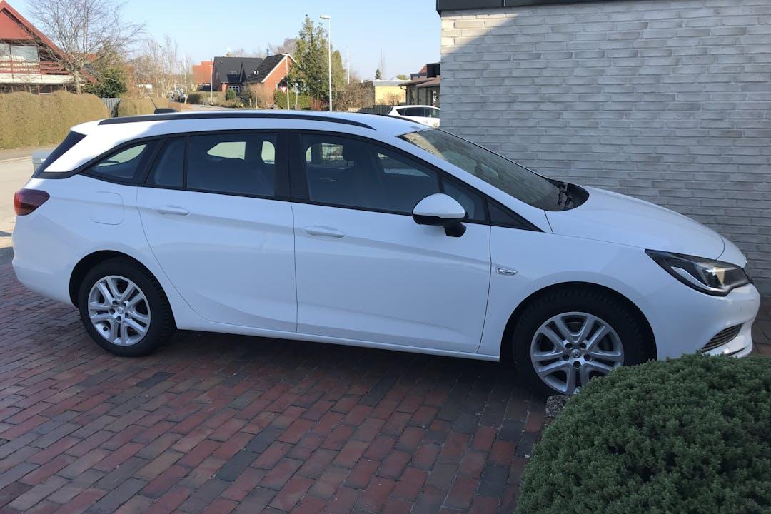 Billig billeje af Opel Astra nær 7400 Herning.