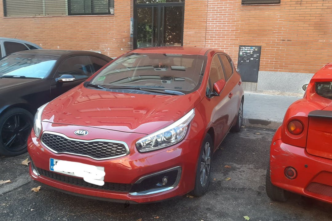 Alquiler barato de Kia Ceed cerca de 28053 Madrid.