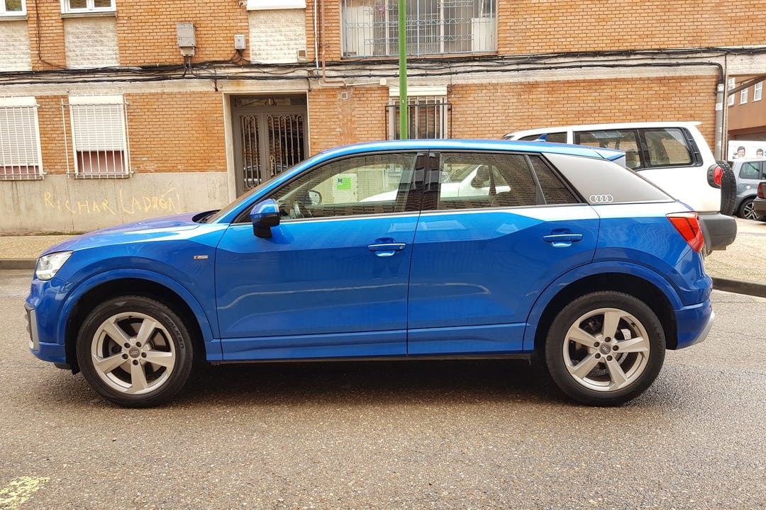 Alquiler barato de Audi Q2 cerca de 09003 Burgos.