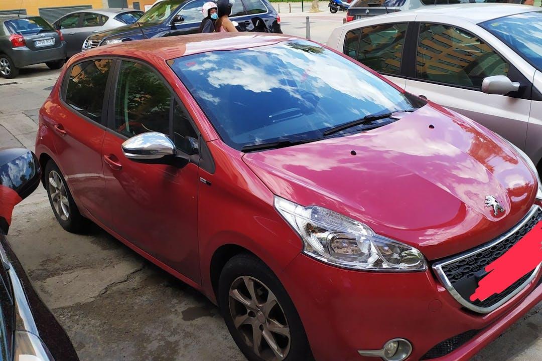 Alquiler barato de Peugeot 208 cerca de 46020 València.