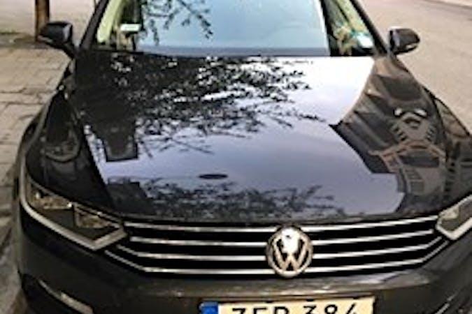 Billig biluthyrning av Volkswagen Passat med Dragkrok i närheten av 117 59 Hägersten-Liljeholmen.