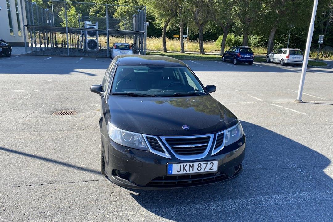 Billig biluthyrning av Saab 9 3 i närheten av 126 49 Hägersten-Liljeholmen.