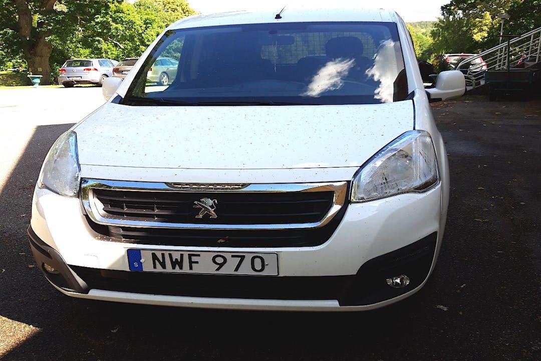 Billig biluthyrning av Peugeot Partner i närheten av 441 95 Alingsås S.