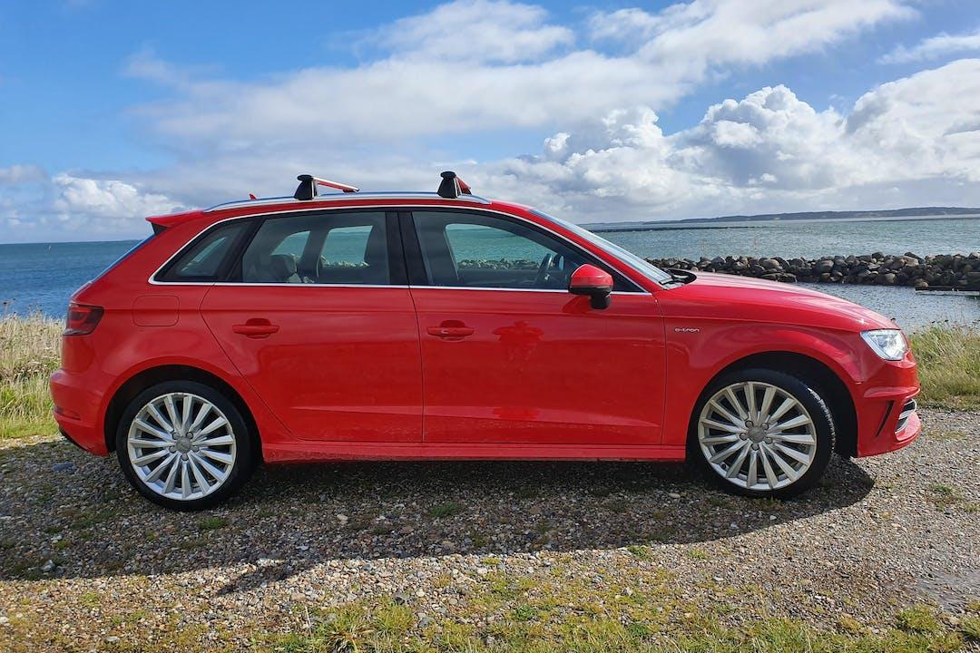 Billig billeje af Audi A3 med GPS nær 7600 Struer.
