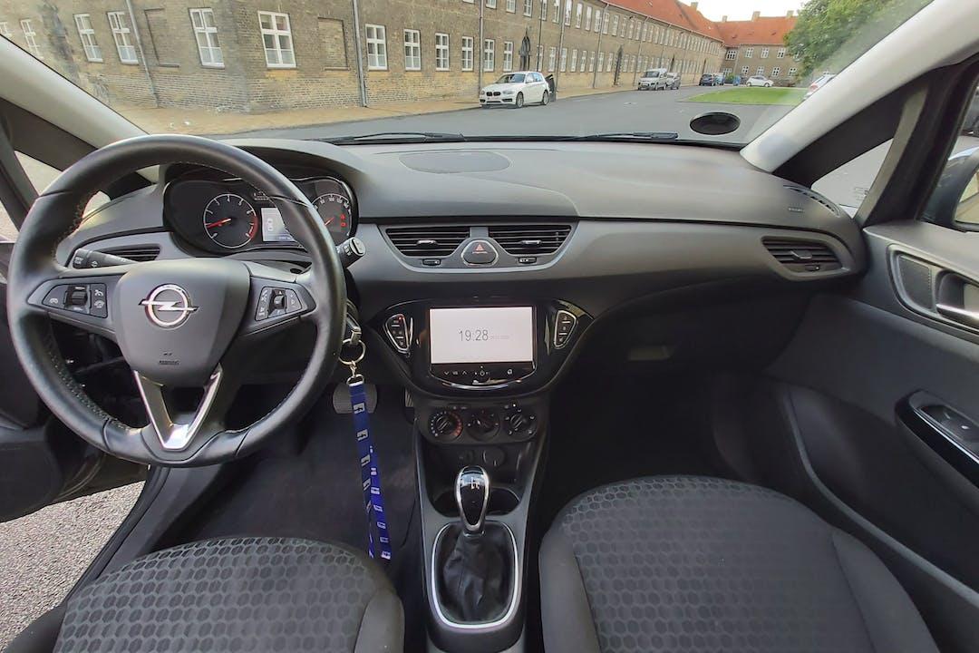 Billig billeje af Opel Corsa med Isofix beslag nær 2400 København.