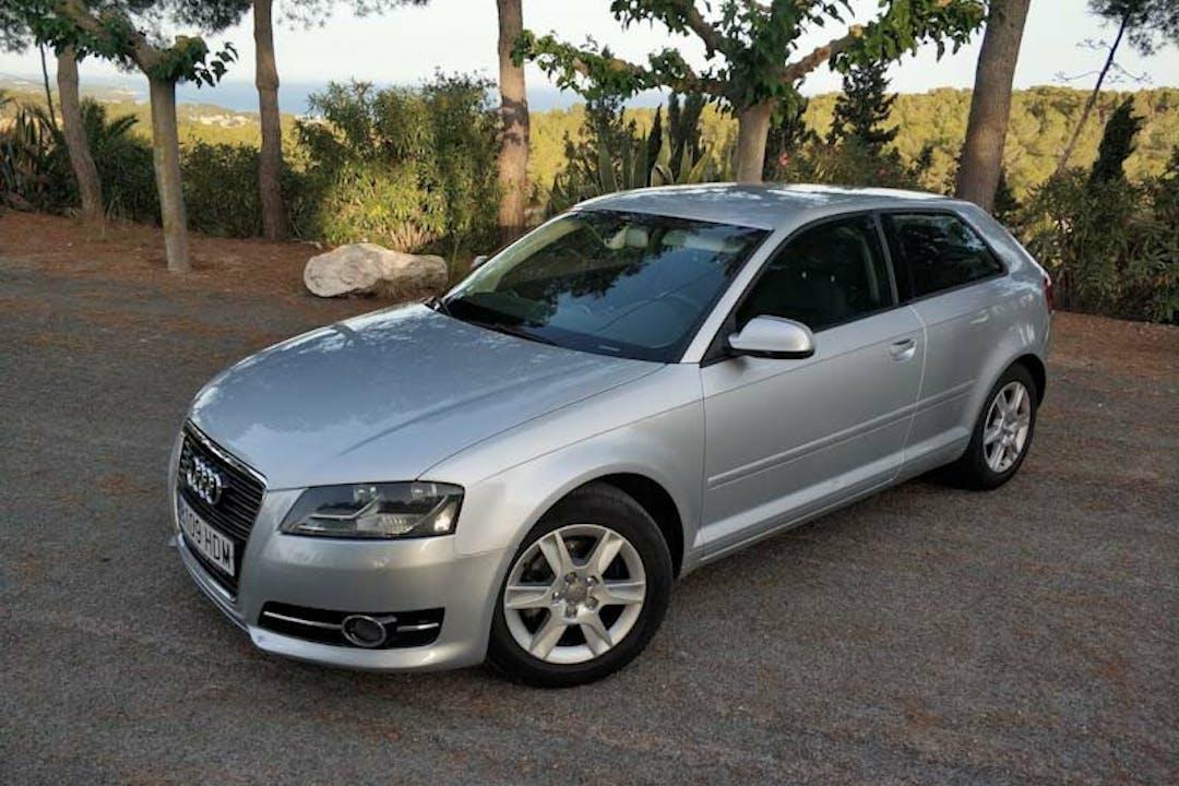 Alquiler barato de Audi A3 cerca de 43003 Tarragona.