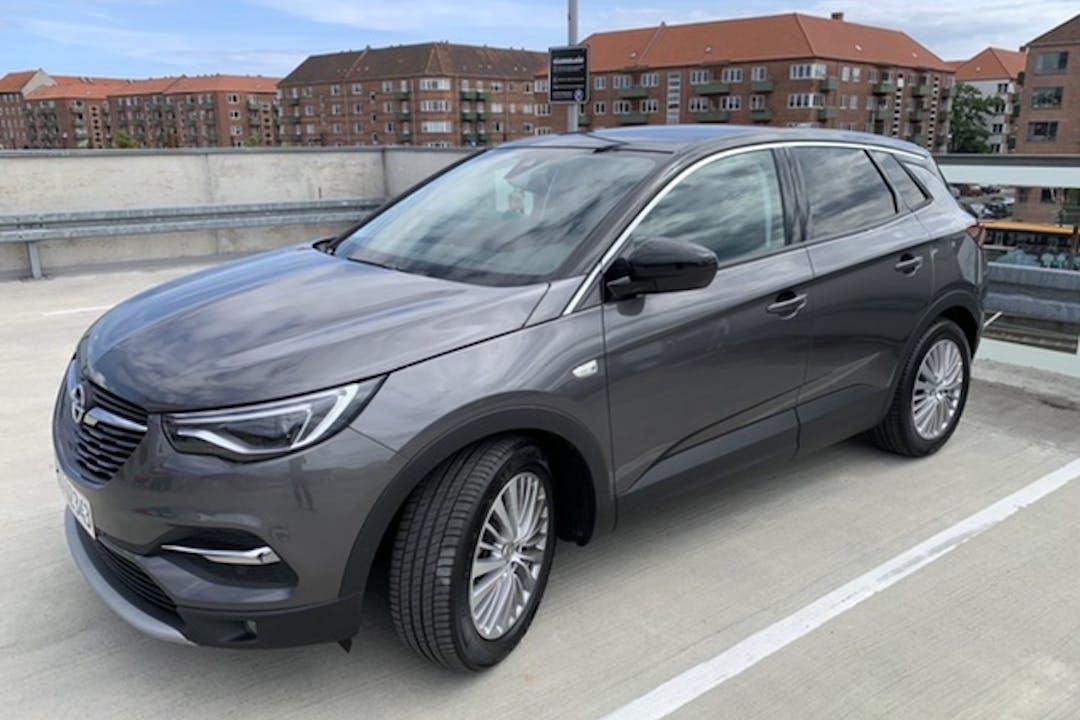 Billig billeje af Opel Grandland X med GPS nær 2650 Hvidovre.