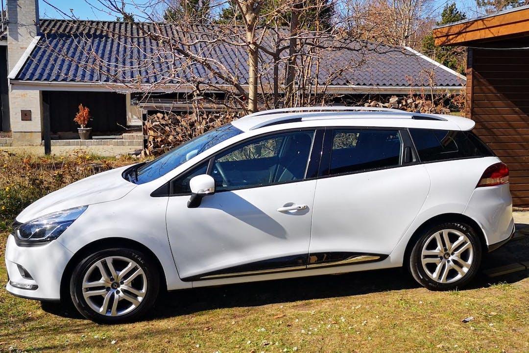 Billig billeje af Renault Clio SW med GPS nær 8260 Viby.