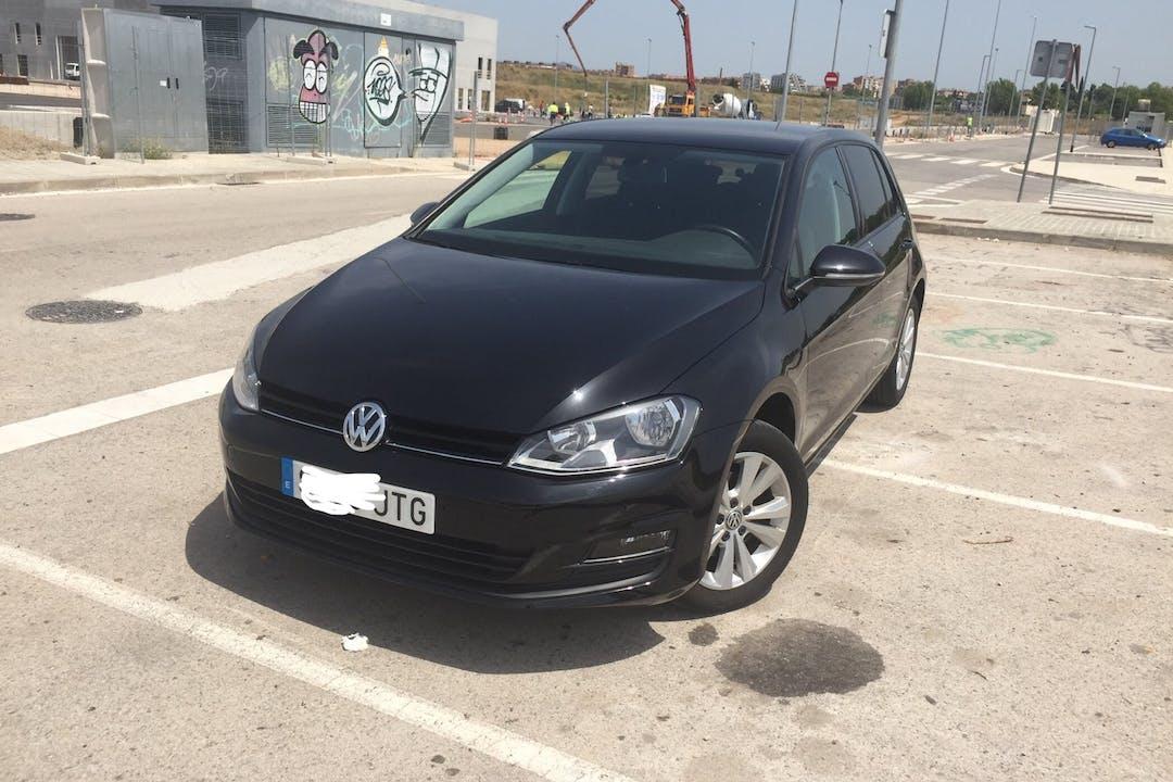 Alquiler barato de Volkswagen Golf cerca de 08018 Barcelona.