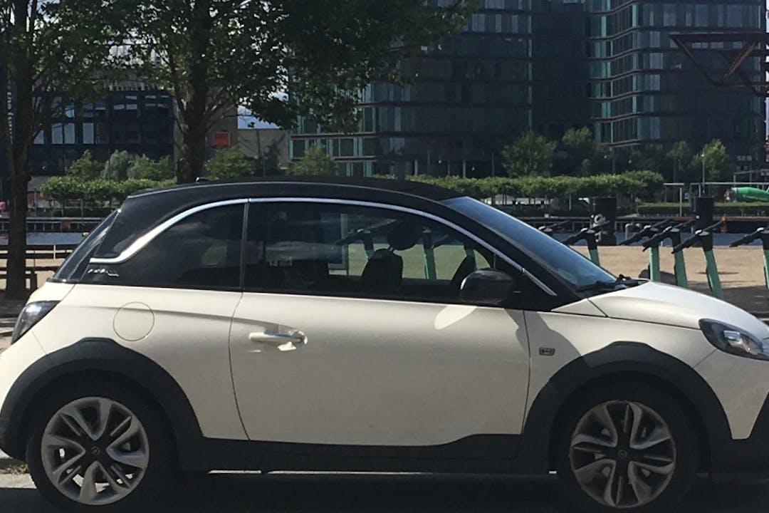 Billig billeje af Opel Adam med Aircondition nær 2300 København.