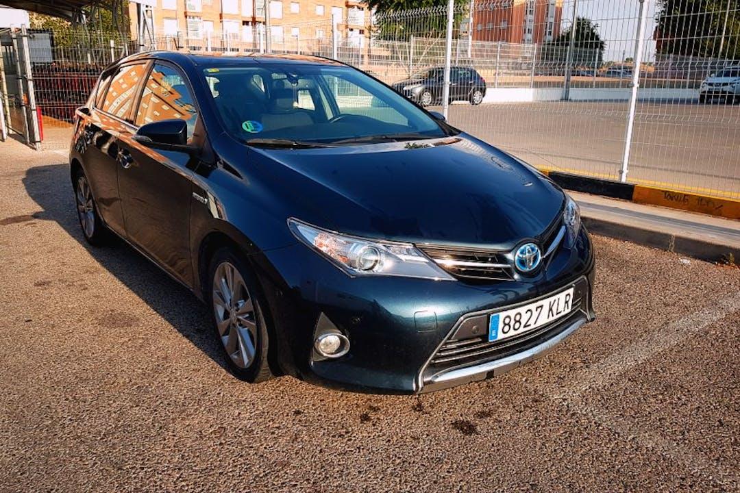 Alquiler barato de Toyota Auris cerca de 28011 Madrid.