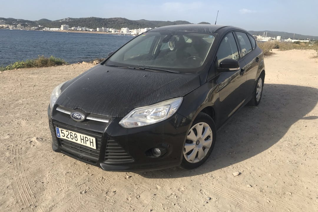 Alquiler barato de Ford Focus cerca de 07800 Eivissa.