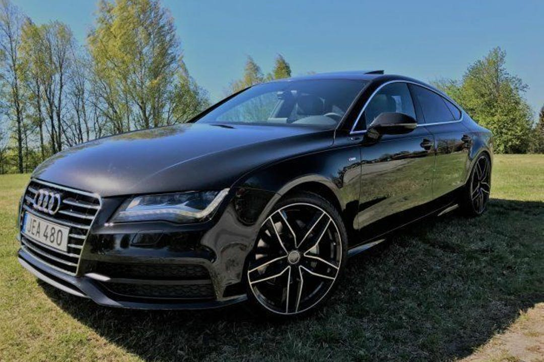 Billig biluthyrning av Audi A7 i närheten av 176 71 .