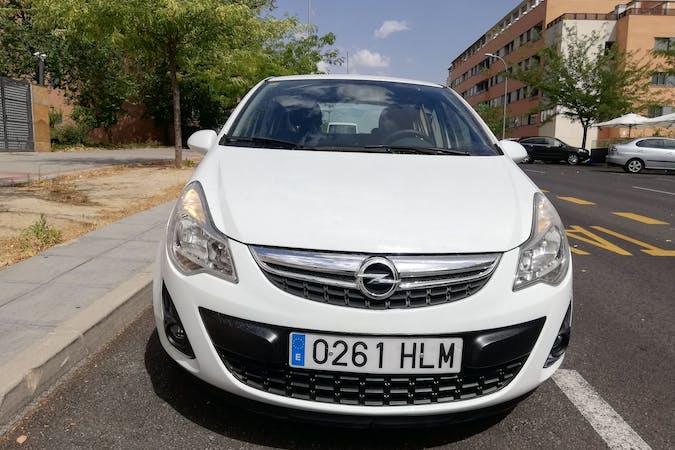 Alquiler barato de Opel Corsa cerca de 28034 Madrid.