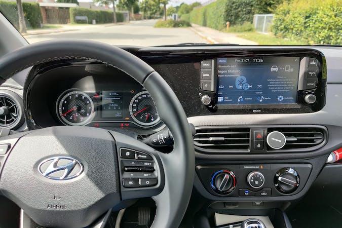 Billig billeje af Hyundai i10 nær  Charlottenlund.