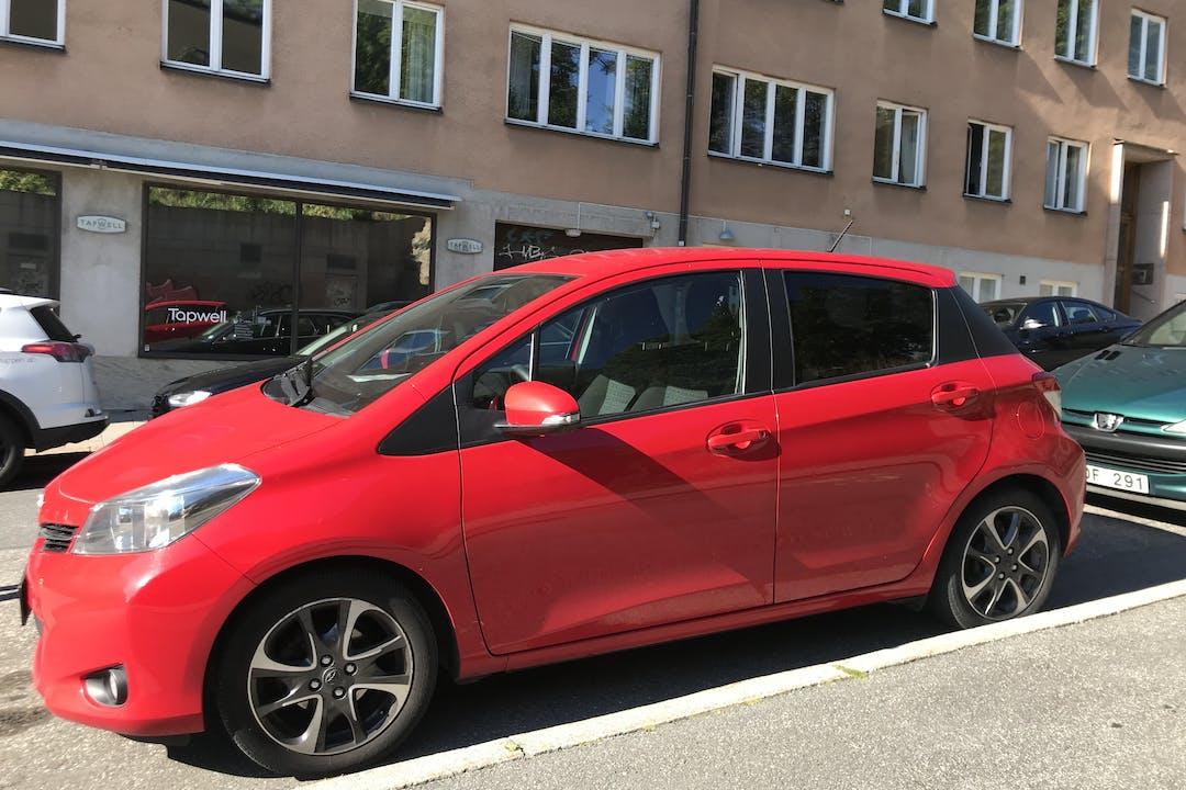 Billig biluthyrning av Toyota Yaris med Dragkrok i närheten av 118 60 Södermalm.