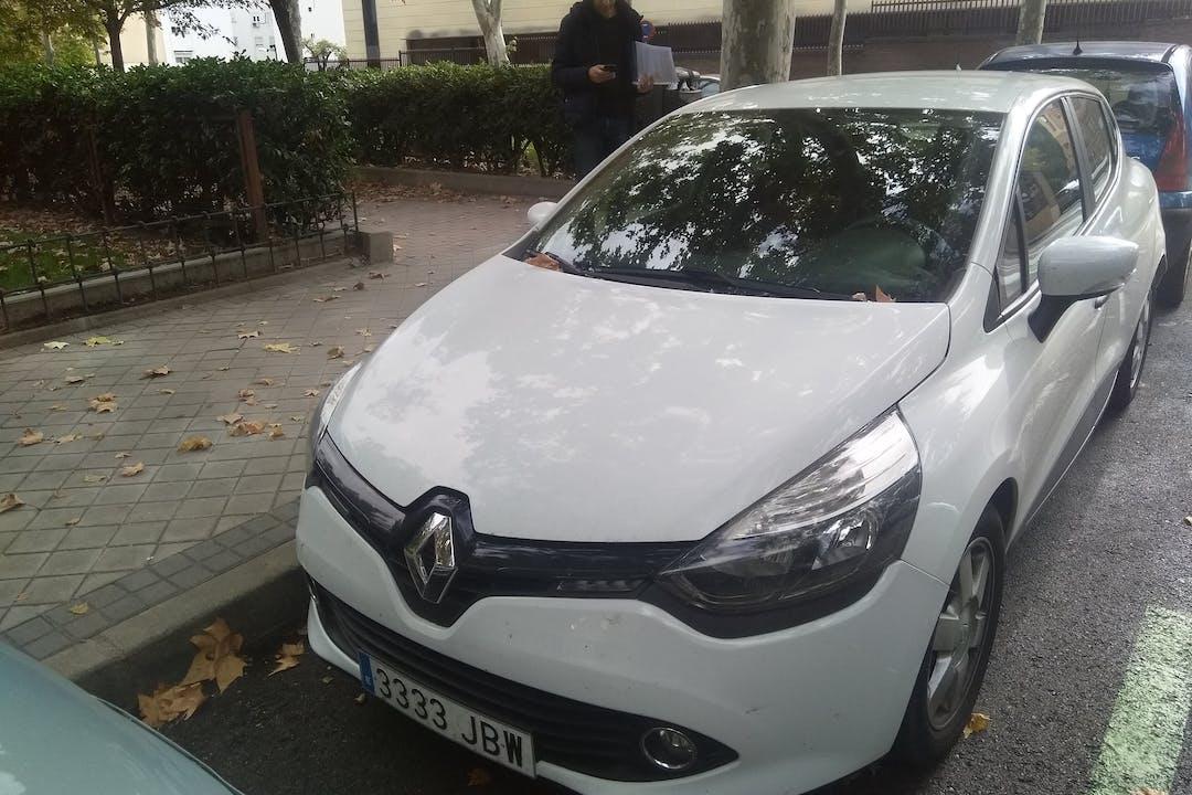 Alquiler barato de Renault Clio Authentique 1.5 Dci 75 con equipamiento Fijaciones Isofix cerca de  .