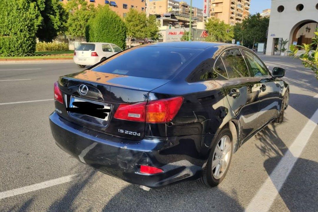 Alquiler barato de Lexus Is 200D cerca de 41013 Sevilla.