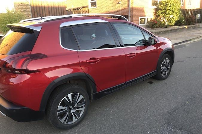 Billig billeje af Peugeot 2008 med GPS nær 8700 Horsens.