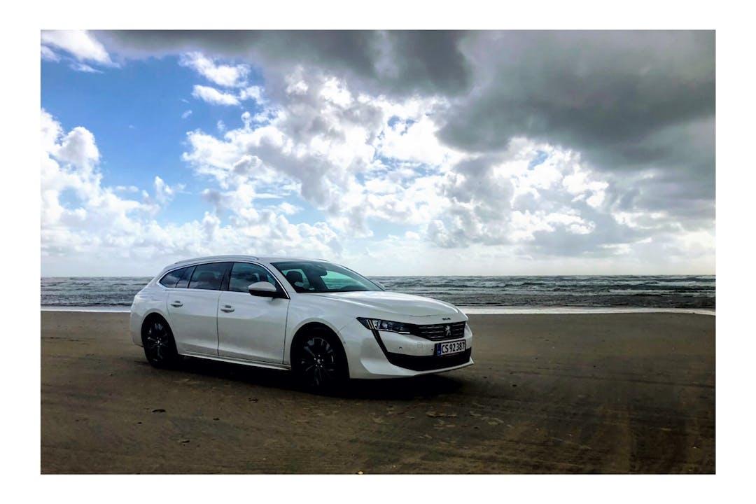 Billig billeje af Peugeot 508 med GPS nær 5500 Middelfart.