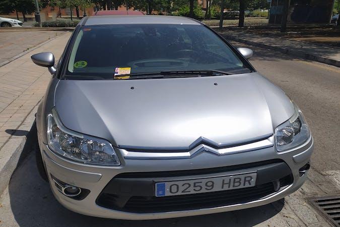 Alquiler barato de Citroën C4 con equipamiento GPS cerca de 18002 Granada.