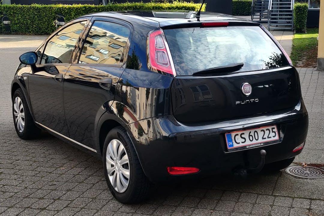 Billig billeje af Fiat Grande Punto nær 9000 Aalborg.