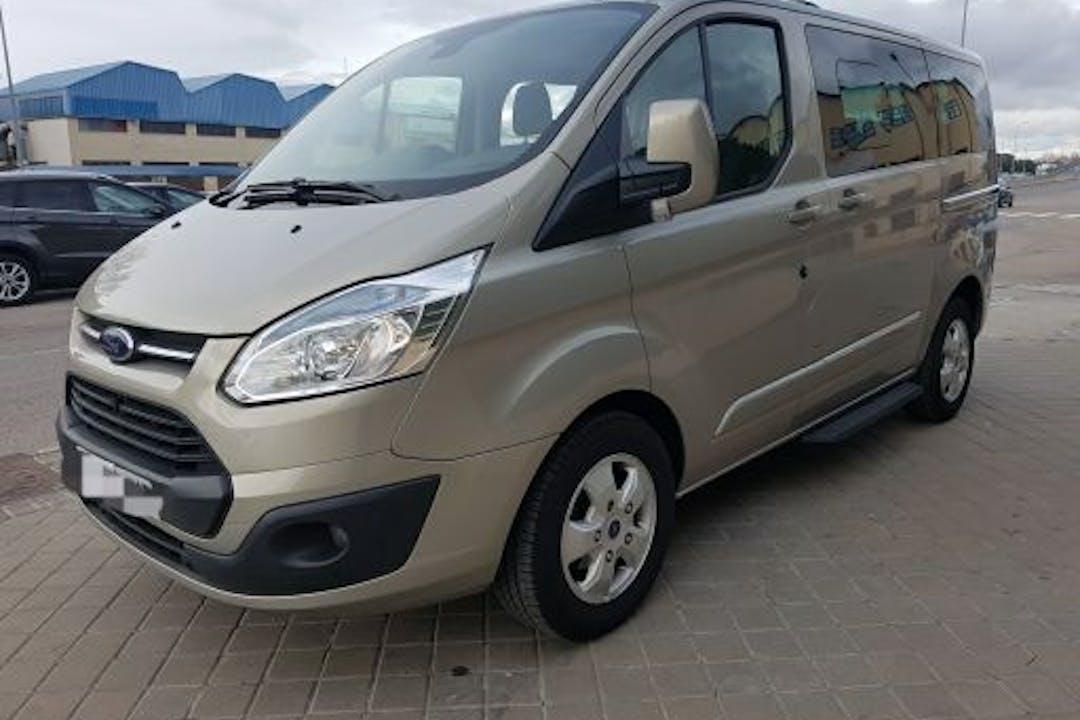 Alquiler barato de Ford Custom Tourneo con equipamiento GPS cerca de 28023 Madrid.