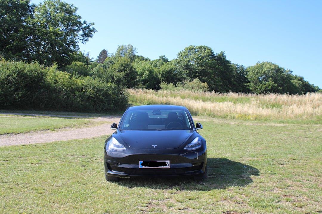 Billig billeje af Tesla Model 3 nær 2450 København.