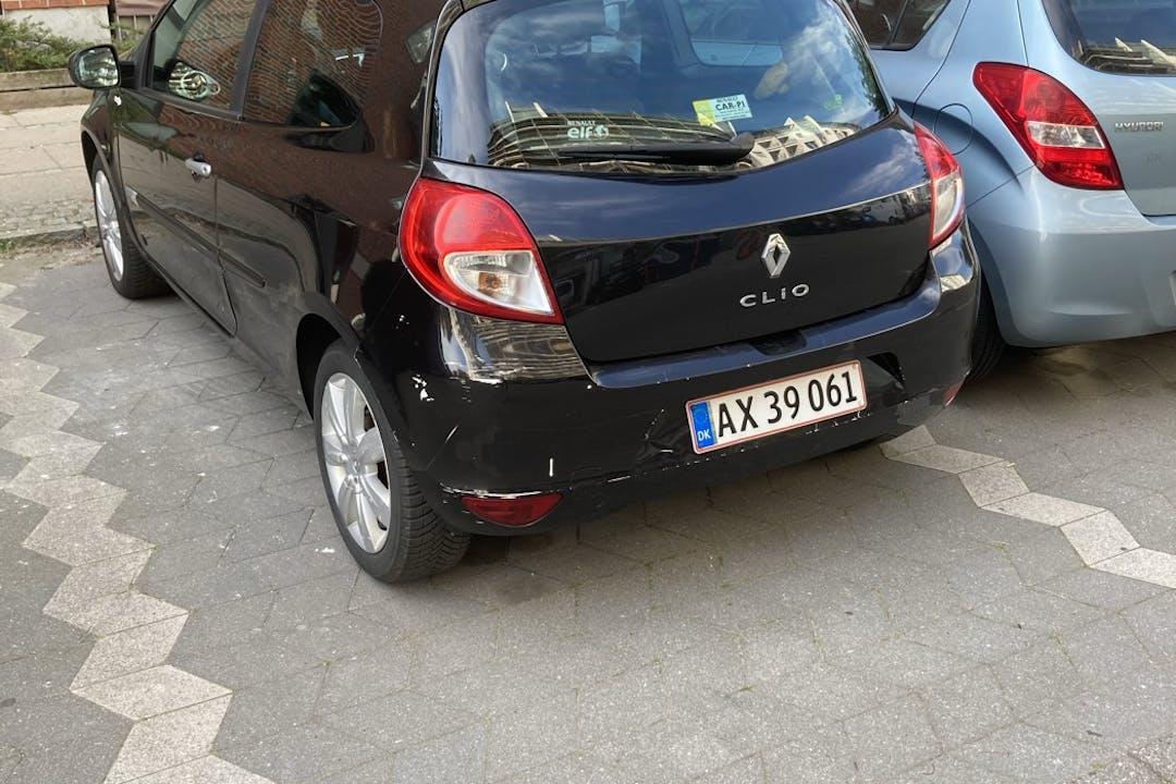 Billig billeje af Renault Clio HB nær 2300 København.