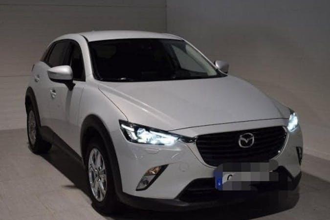 Billig biluthyrning av Mazda CX-3 i närheten av 171 50 Huvudsta.
