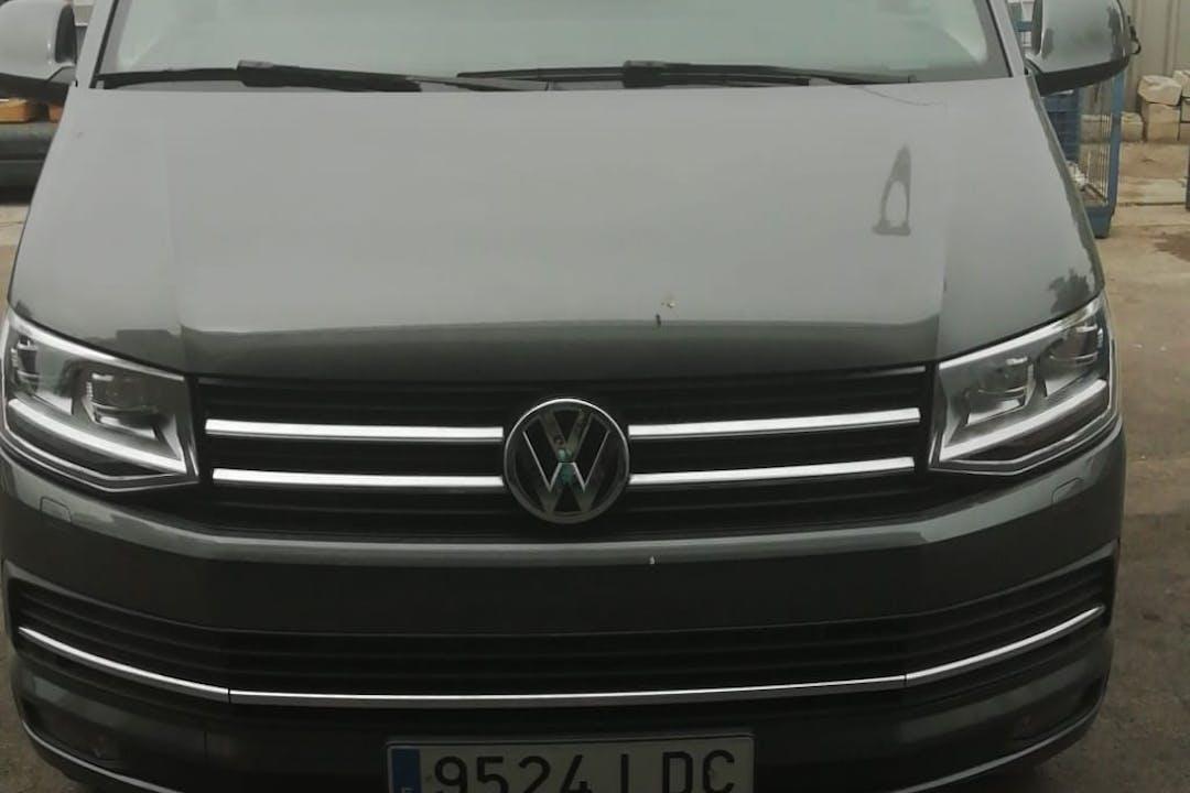 Alquiler barato de Volkswagen Multivan cerca de  Málaga.