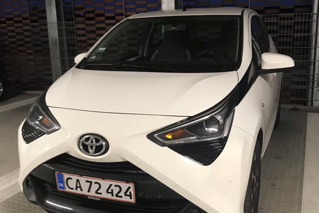 Billig billeje af Toyota AYGO med Bluetooth nær 2450 København.