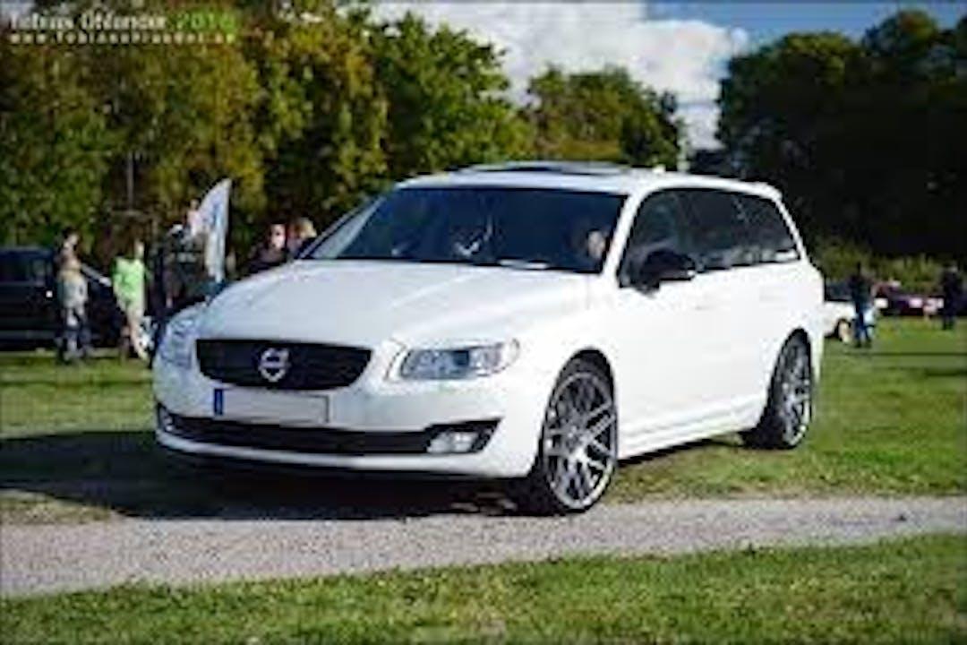 Billig biluthyrning av Volvo V70 i närheten av 434 48 .