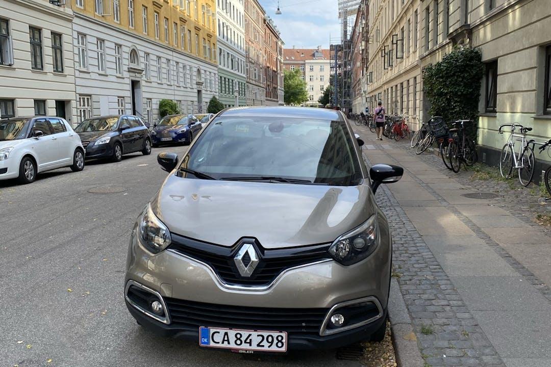 Billig billeje af Renault Captur nær 2100 København.
