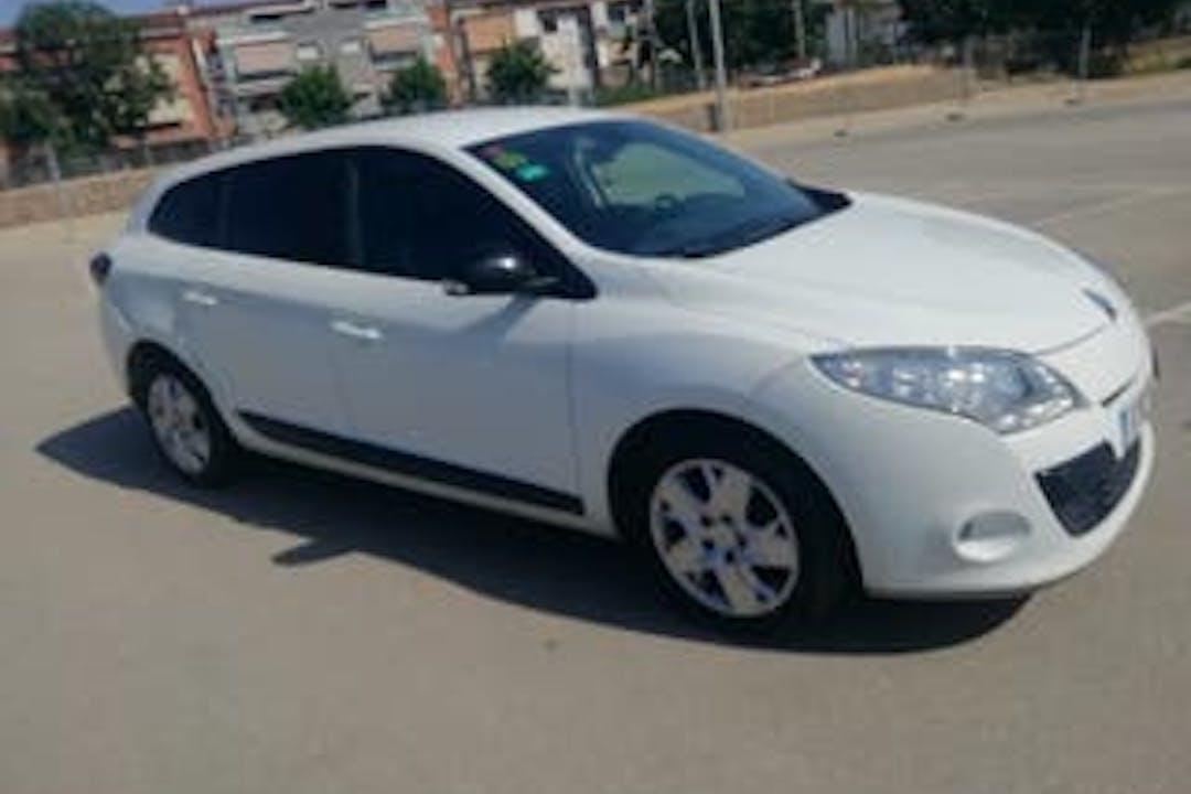 Alquiler barato de Renault Megane Sport Tourer cerca de 28500 Arganda del Rey.