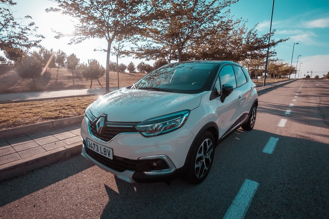 Alquiler barato de Renault Captur cerca de 28010 Madrid.