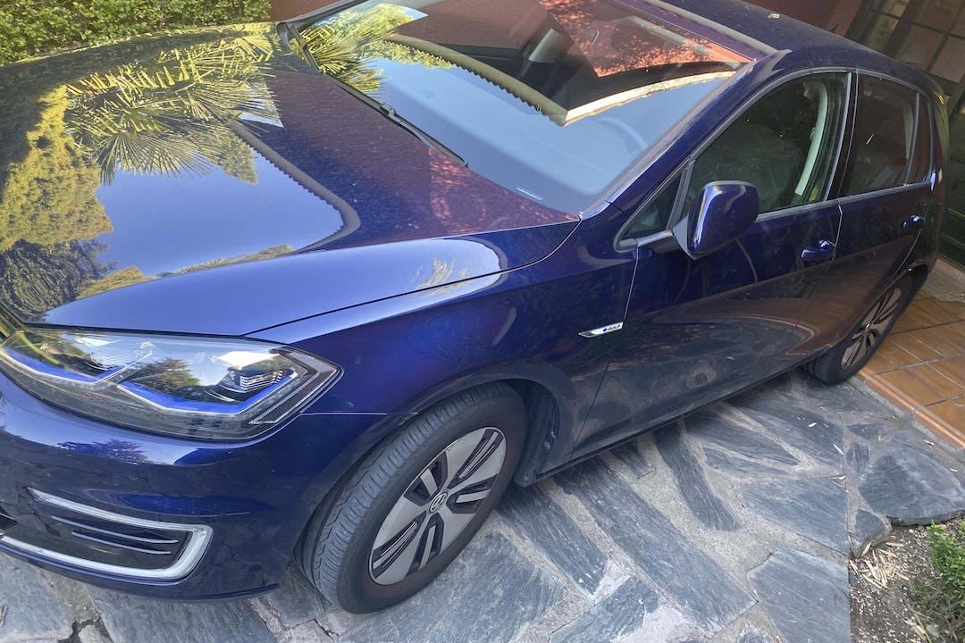 Alquiler barato de Volkswagen Golf cerca de 28660 Boadilla del Monte.