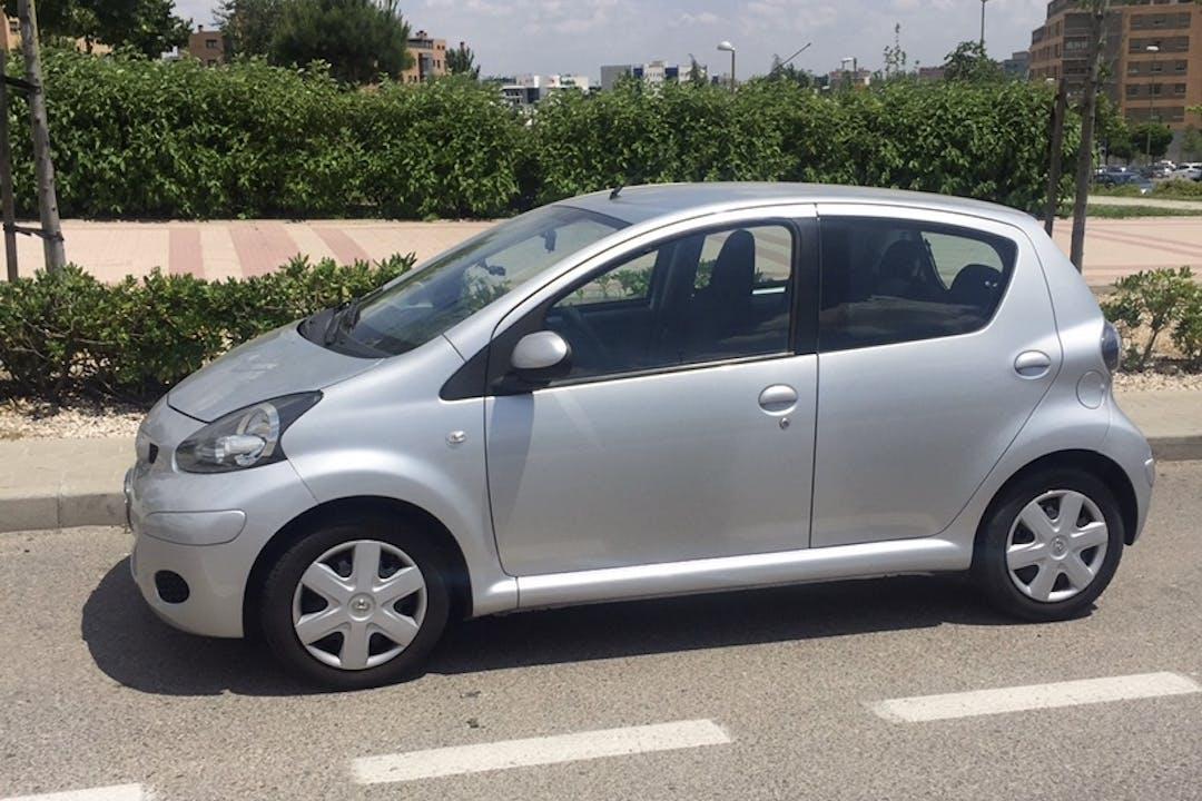 Alquiler barato de Toyota Aygo cerca de 28042 Madrid.
