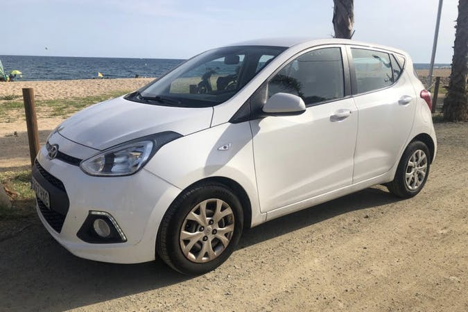 Alquiler barato de Hyundai I10 cerca de 08037 Barcelona.